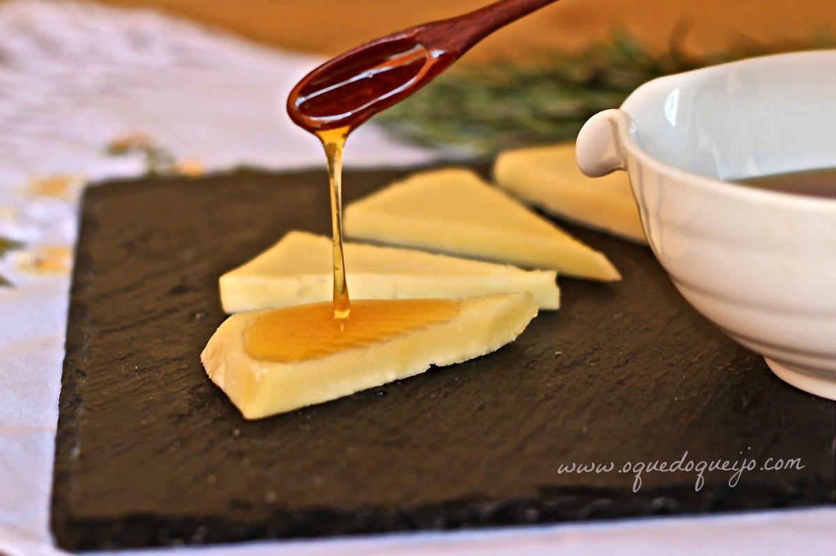 Como aromatizar mel para acompanhar queijos